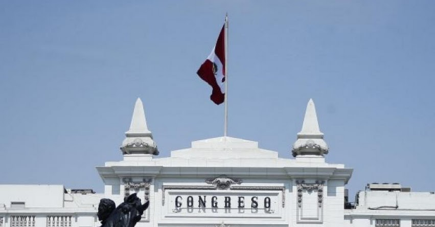 Congreso de la República busca limitar el cobro de pensiones de colegios privados