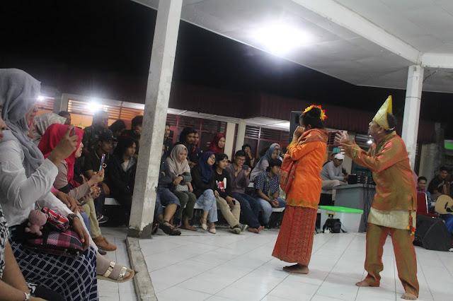 Pertunjukan Musik dan Teater Musang Berjanggut yang Akrab Serta Komunikatif