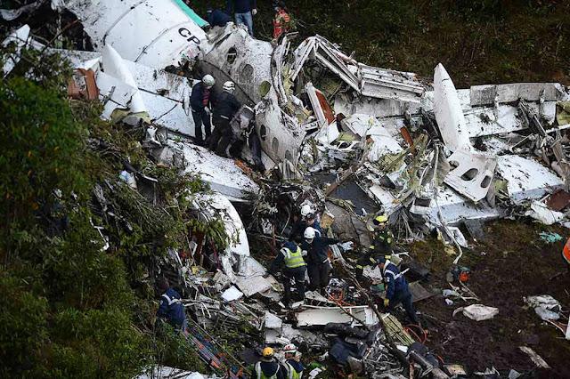 Acidente com o avião da Lamia ocorreu supostamente por pane seca (foto: Raul Arboleda/AFP)