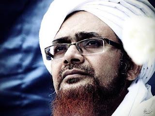 Al-Habib-Mundzir-bin-Fuad-Al-Musawa-Senyum Kumpulan Foto Habib Munzir bin Fuad Al Musawa