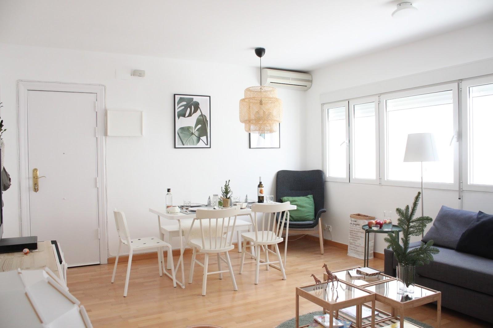 Ikea mesas salon centro fabulous com anuncios de tablero for Alfombras baratas conforama