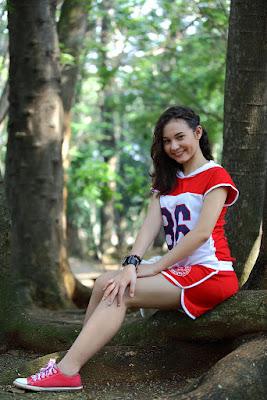 larasati nugroho di sinetron ggs artis cantik di hutan