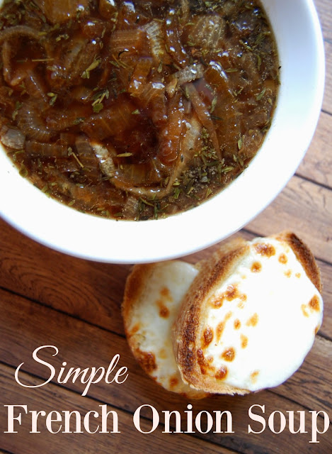 Simple French Onion Soup - Love this recipe! French Onion Soup is my favorite! This recipe has just a few ingredients and all are ones that I have on hand! Love that balsamic vinegar is used instead of wine.