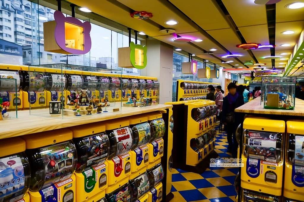 老虎扭蛋王國,哪裡有扭蛋機,新莊扭蛋機,佳瑪百貨扭蛋機