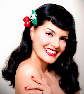 maquillaje basico de chica pin up