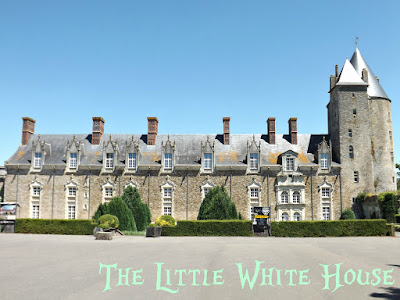 https://thelittlewhitehouseontheseaside.blogspot.fr/2016/08/chateau-de-blain-loire-atlantique.html