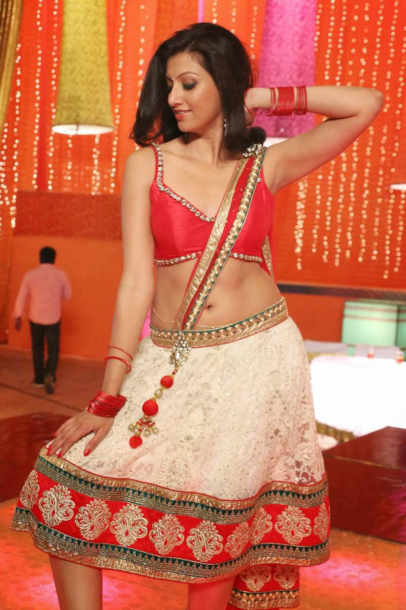 Actress Hamsa Nandini Hip Navel Stills In Red Saree
