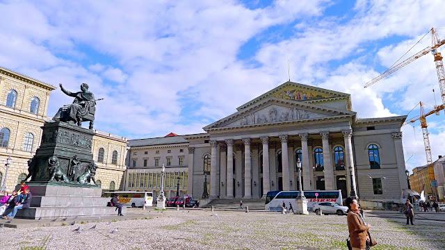 Max-Joseph-Platz