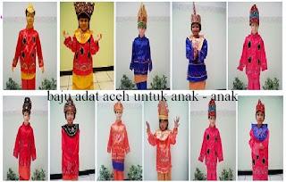 Rumah adat aceh . baju tradisional . tarian tradisional . pusaka tradisional dan lagu daerahnya.