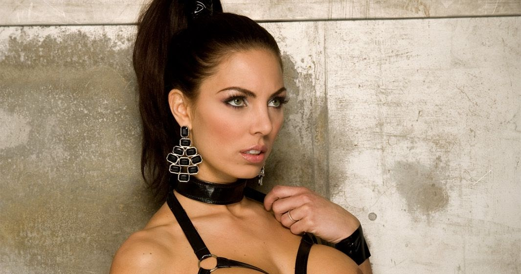 Bella thorne lesbian kiss girlfriend - 1 part 5