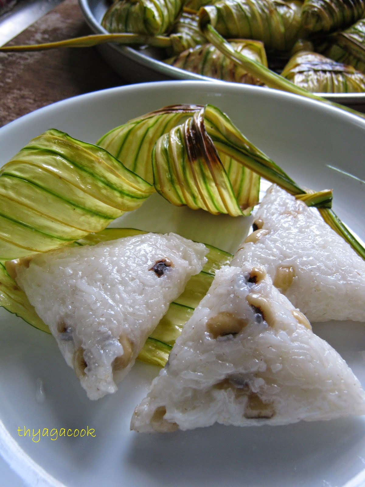 Kari Leafs Malaysian Flavours Sweet Ketupat Daun Palas Parcel 5 Add In Some Oil A Wok And Heat It Up Put The Ketupats Fry Until Fragrant Make Sure Not To Burn Them