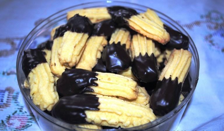 Hasil gambar untuk kue kering coklat keju