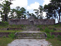 Tomb porte de l'armoire de l'empereur Gia Long