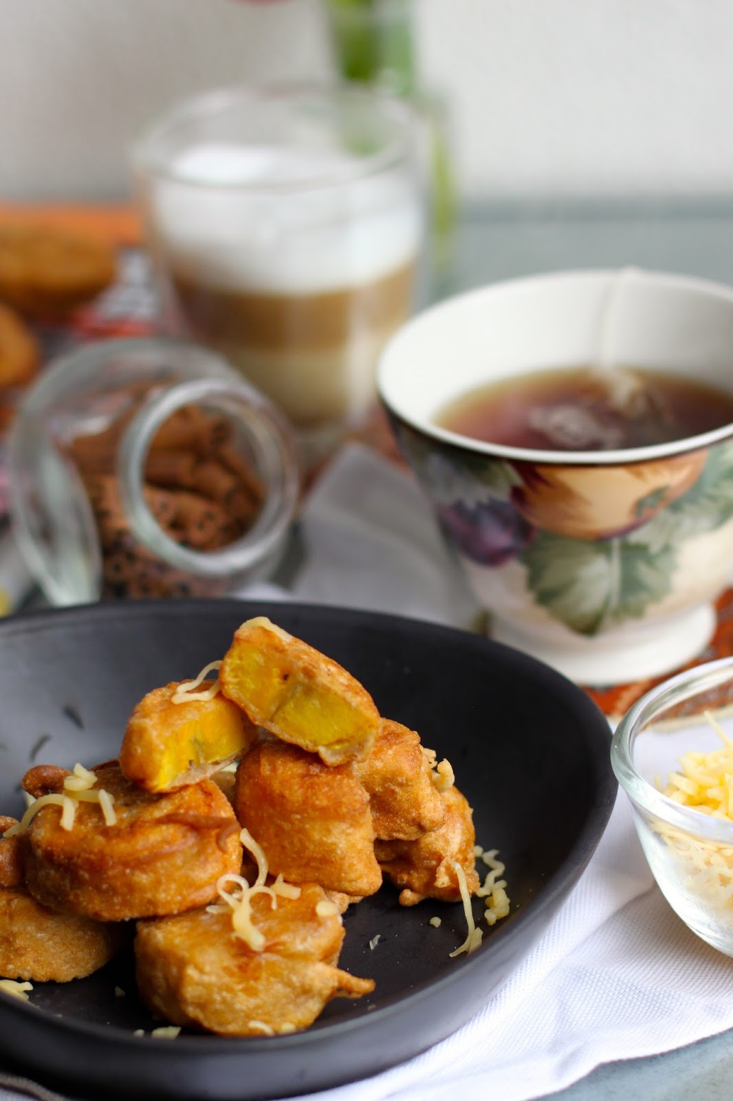 Olivia Cooks in Holland: PISANG GORENG | INDONESIAN BANANA FRITTERS