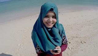 Lirik : Najwa Latif - Biar