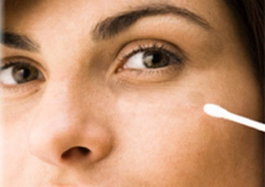Puffy Eyes Cotton Swab Uses