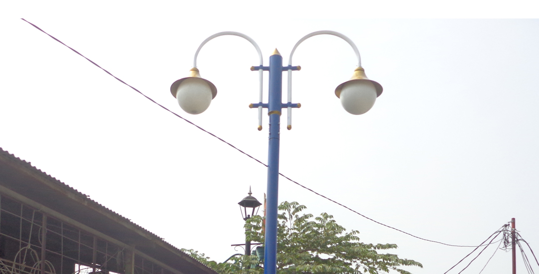 Tiang Lampu Taman Kota
