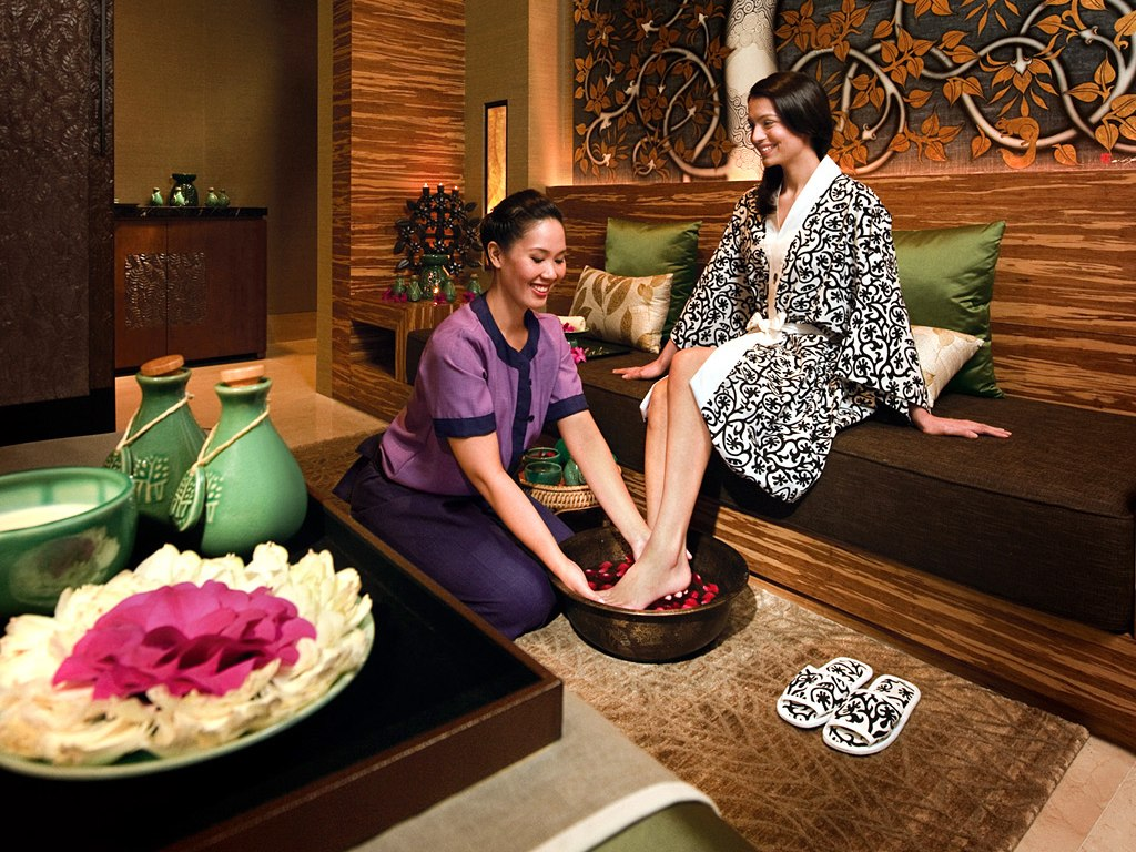 13 best spas in the world by conde nast traveler 2012 for Spa uniform supplier in singapore