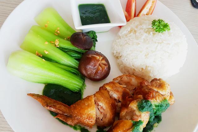 Seafood stuffed chicken wing | Cánh gà nhồi hải sản