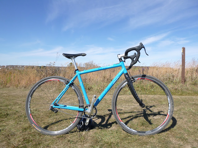 Single speed tubeless cyclocross bike