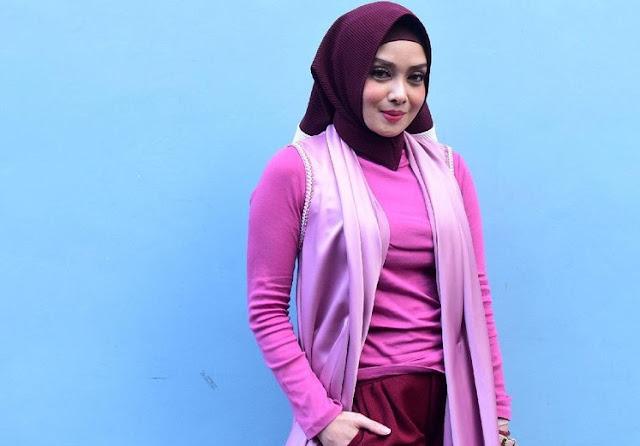 Dijauhi Teman Setelah Hijrah, Terry Putri Balas dengan Memeluk