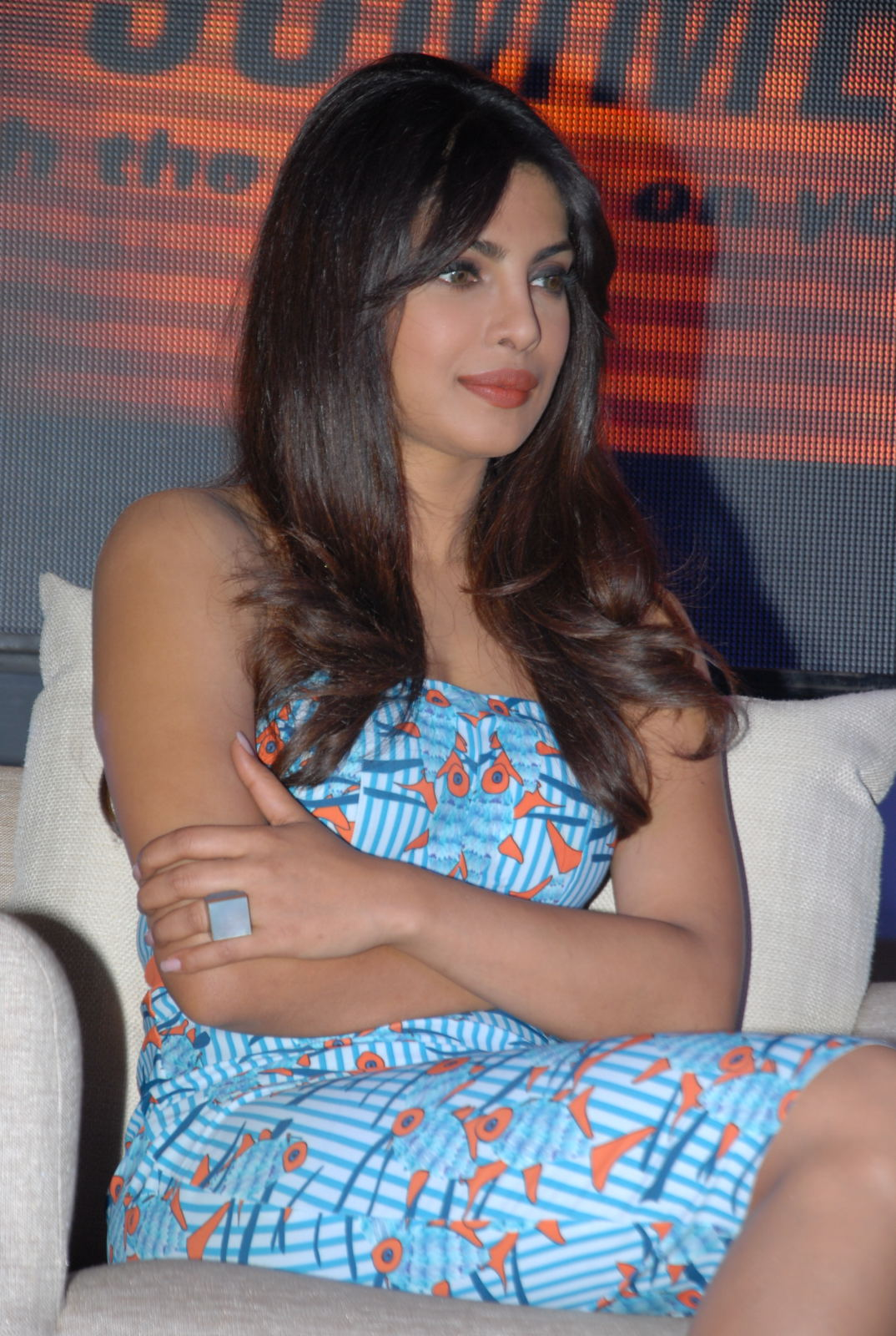 Priyanka chopra latest photos at toofan trailer launch