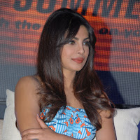 Priyanka chopra latest photos at toofan trailer launch