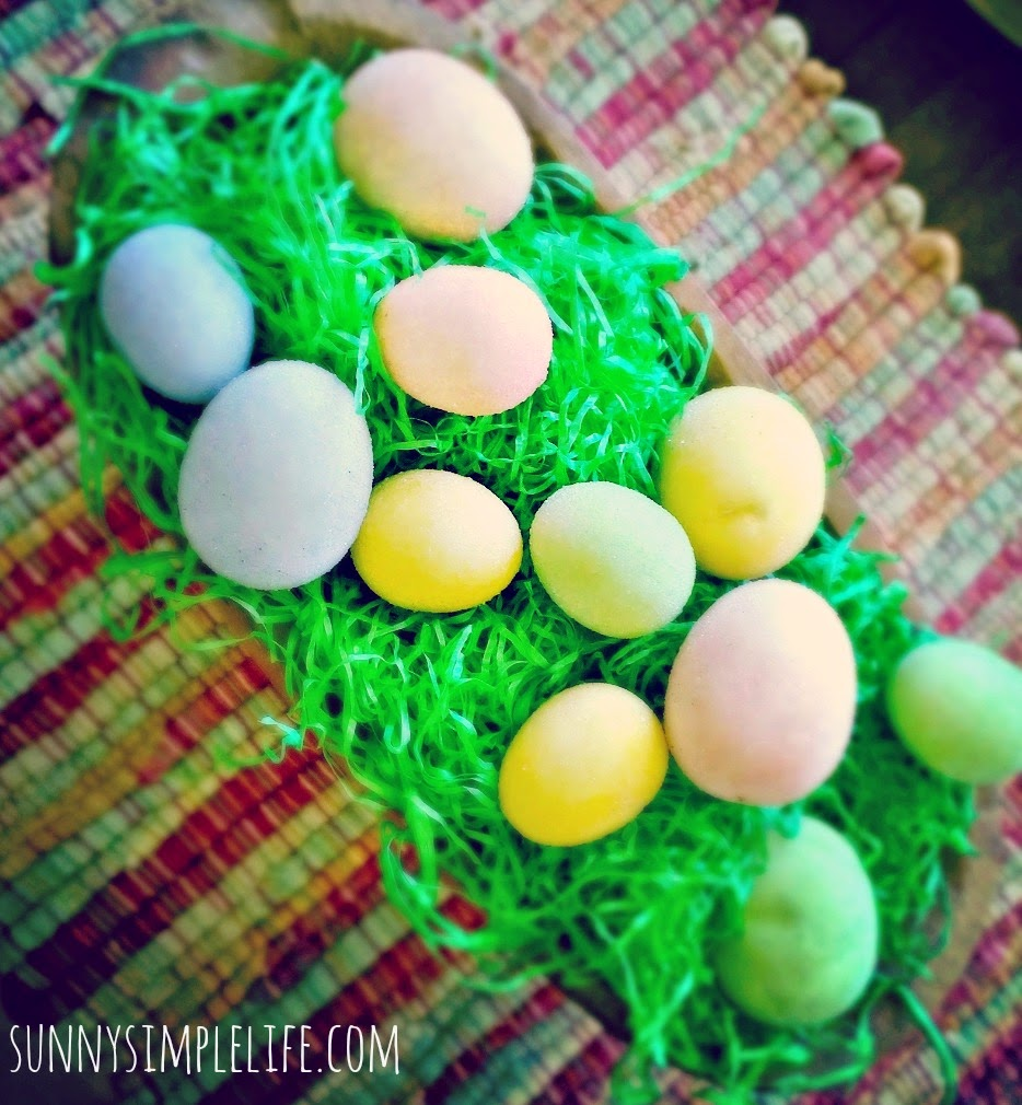 farmhouse Easter decor, prim Easter eggs