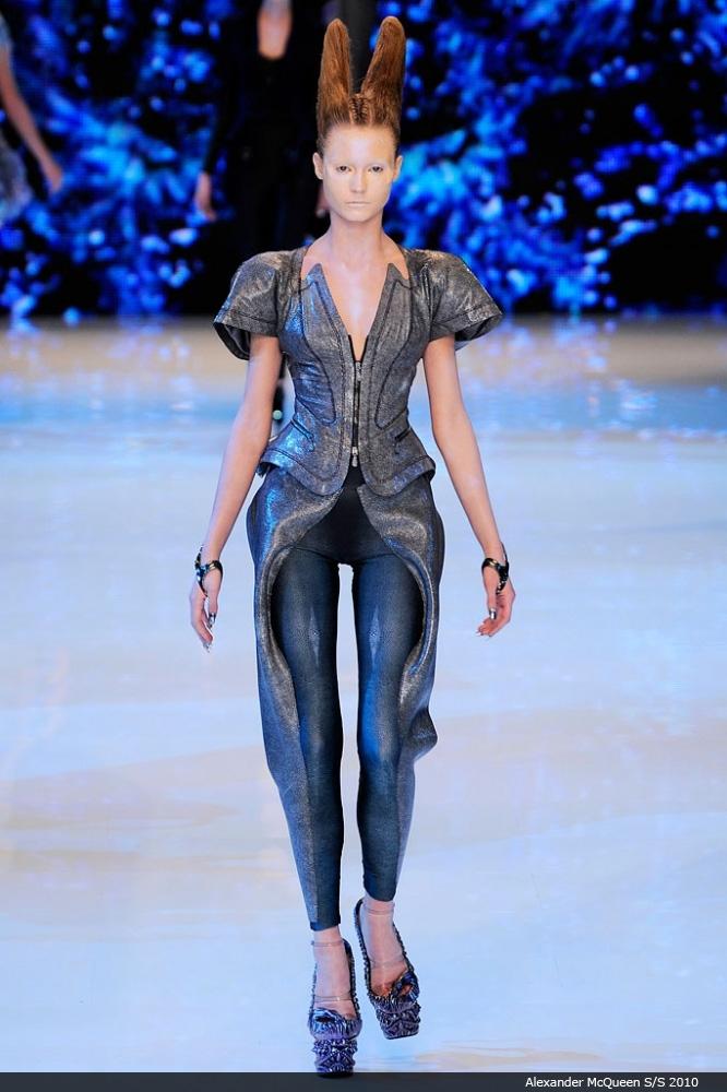 Futuristic Fashion Model Royalty Free Stock Photos