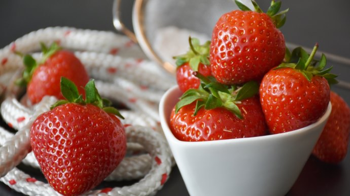 Strawberries and Cake with Strawberries