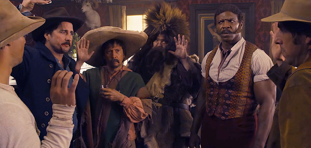 Taylor Lautner, Luke Wilson, Rob Schneider, Jorge Garcia, Terry Crews şi Adam Sandler în comedia The Ridiculous 6