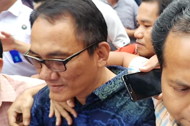 Dengan Muka Merah Andi Arief Ingatkan Mahfud MD: Jangan Asbun