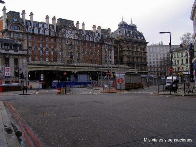 Victoria Station, Londres