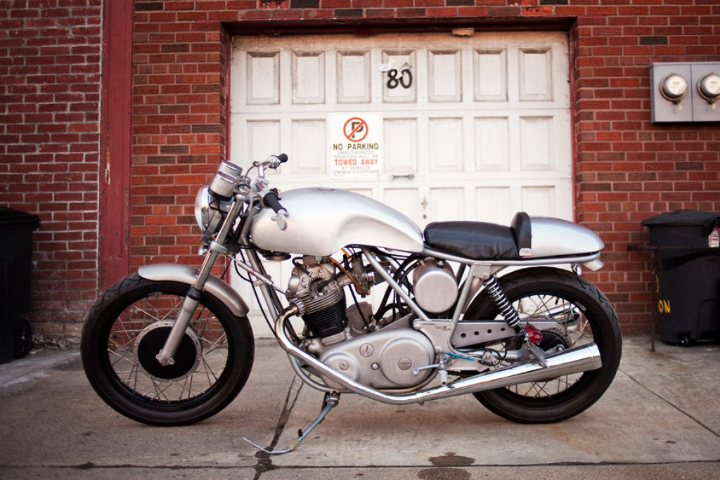 Commando 850 by Randy's Cycle :: via Inazuma Cafe