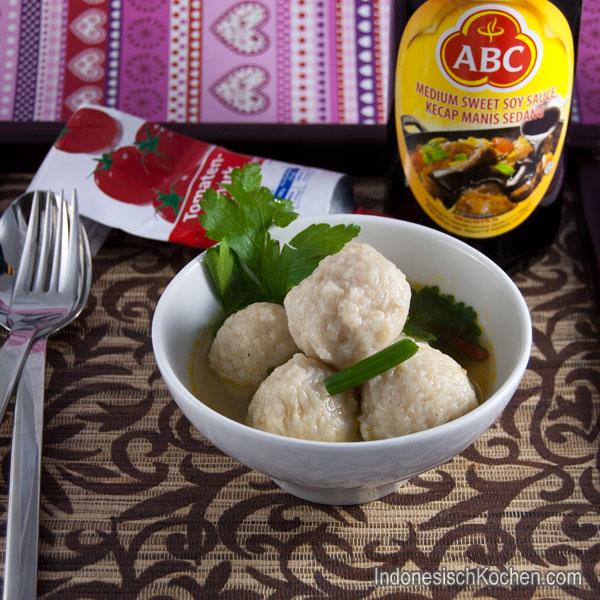Huhnfleisch Bällchen Suppe (Bakso Ayam)
