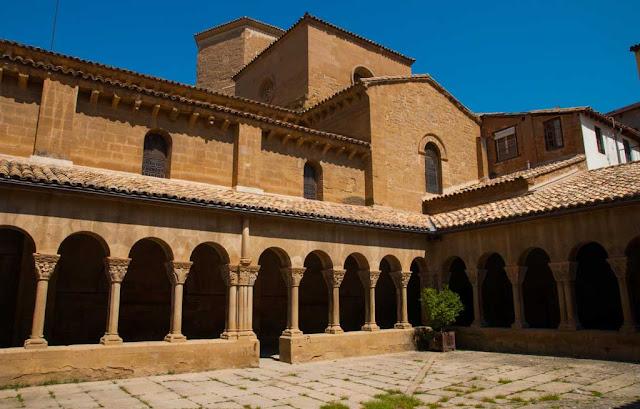 Claustro de San Pedro el Viejo