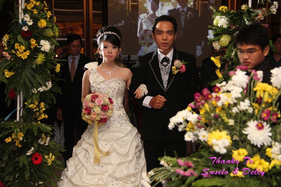 Lihat Fotografer Surabaya Prewedding Dokumentasi Wedding: Susilo & Delly Wedding's