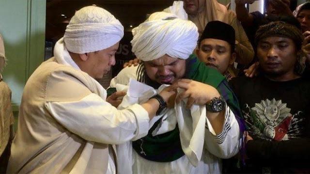 Ini Foto Rambut Nabi Muhammad SAW yang Disimpan Opick