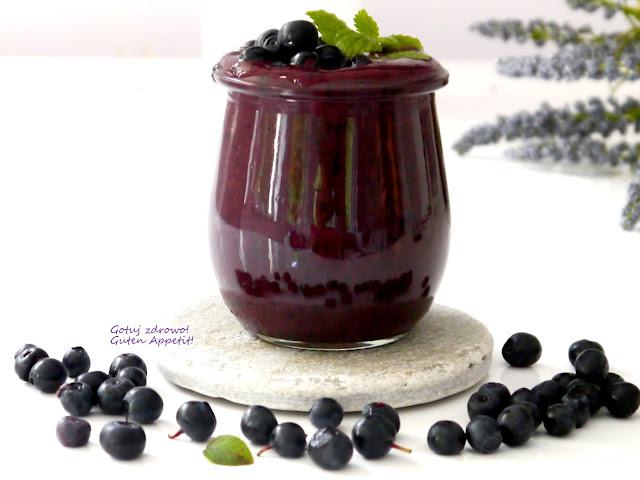 Koktajl jagodowy z maślanką - Czytaj więcej »