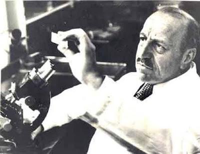 Σαν σήμερα, το 1962, πεθαίνει ο μεγάλος ιατρός και ερευνητής Γεώργιος Παπανικολάου.