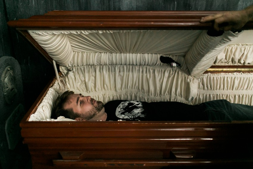 Here S How Long You Could Actually Survive In A Coffin If