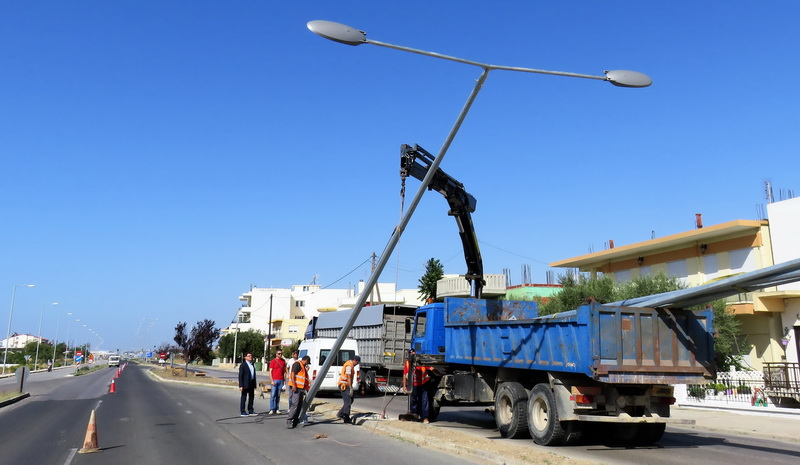 Εργασίες αποκατάστασης του δικτύου οδικού ηλεκτροφωτισμού στον Απαλό Αλεξανδρούπολης