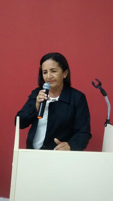 """Vereadora Graciosa Carvalho esclarece boatos sobre projeto que propõe mudança de regime trabalhista em Elesbão Veloso e desmente autoria da proposta: """"Não seria irresponsável"""""""