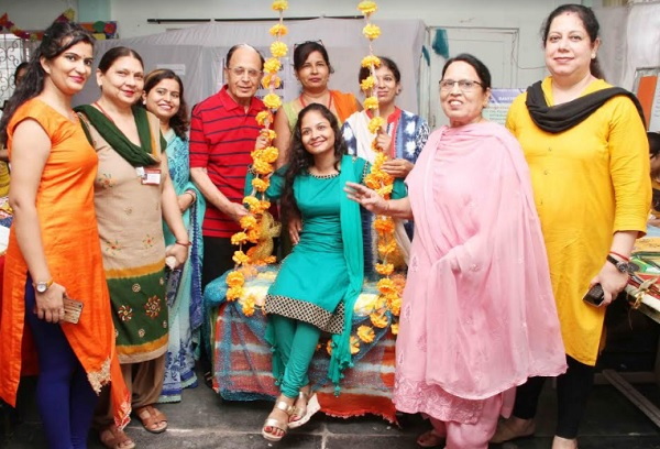 Teej At Savitri Polytechnic for Women In Faridabad