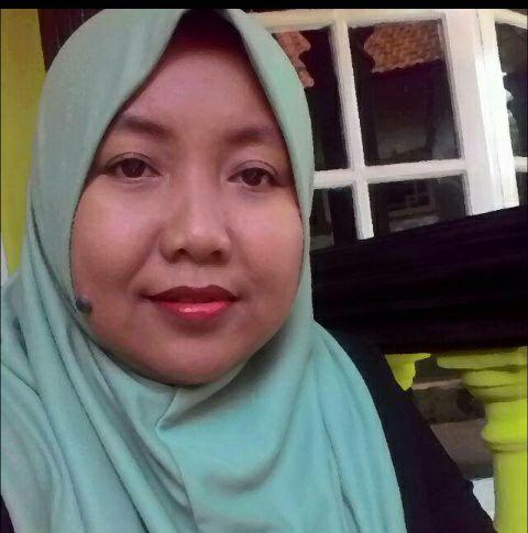 Ratna Seorang Janda Beragama Islam Suku Jawa Berprofesi Wirausaha Di Kota Cirebon Provinsi Jawa Barat Mencari Jodoh Pasangan Pria Untuk Jadi Calon Suami