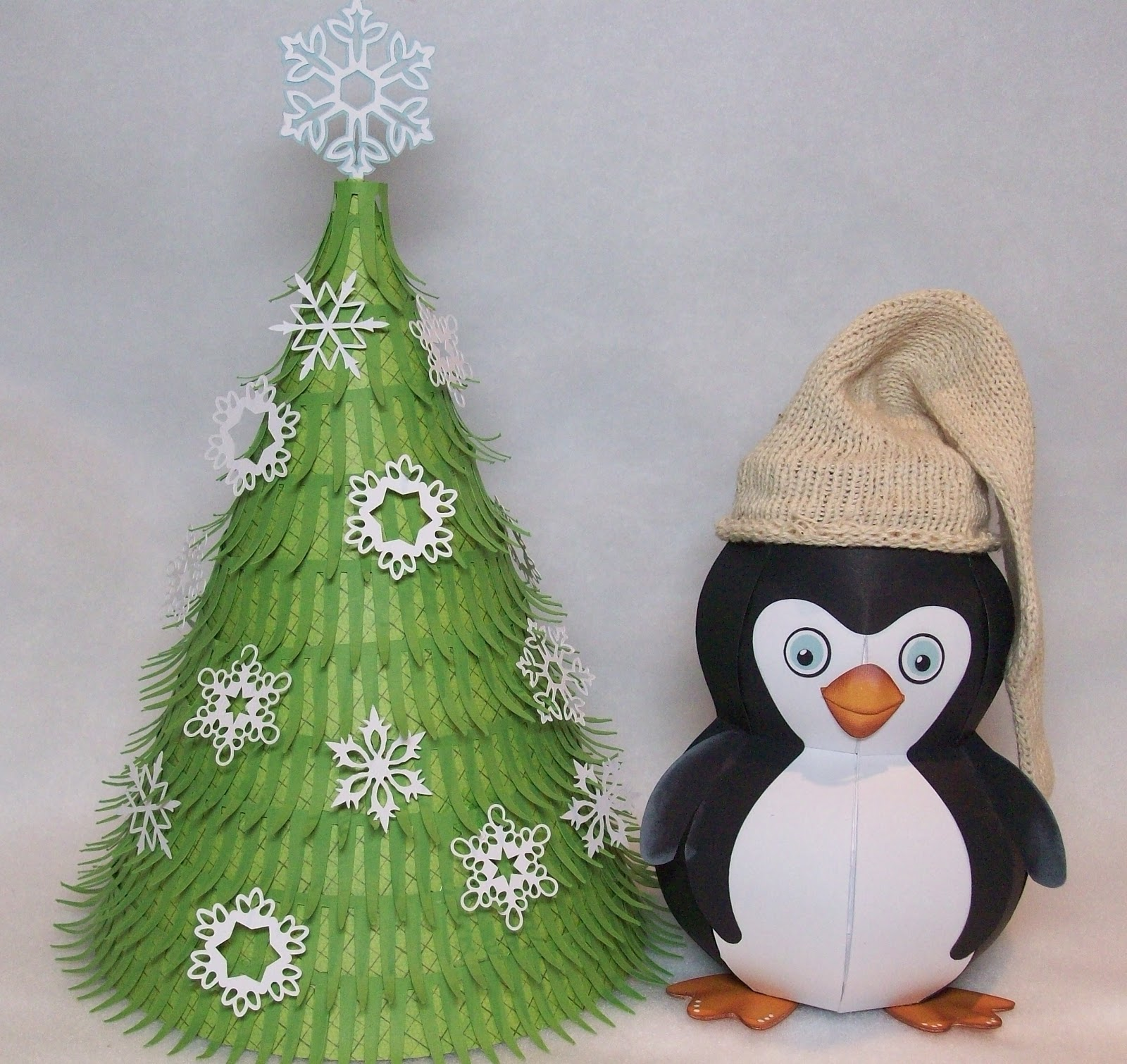 Penguin Christmas Tree: Scrappin' Schnoodlebug: MR. PENGUIN & HIS CHRISTMAS TREE