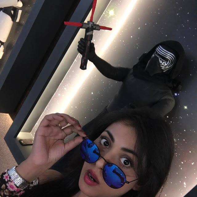 bollywood actress madhu shalini new hot photo photo-pic-in-hd
