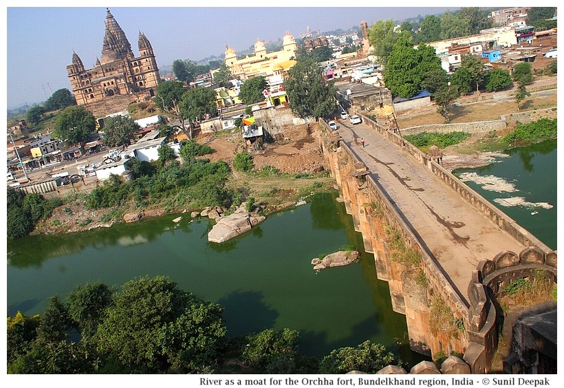 River Betwa separating Orchha fort from the town, Bundelkhand region, central India - Images by Sunil Deepak