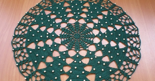 How to crochet christmas tree doily free pattern