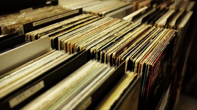Wallpaper: Vintage Vinyls